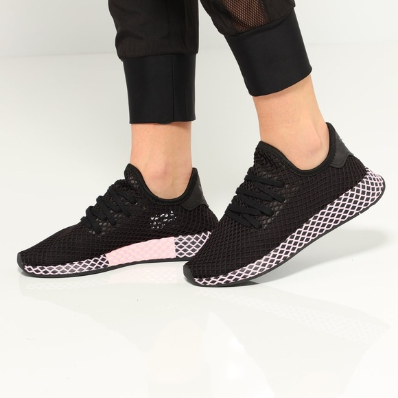 deerupt black pink